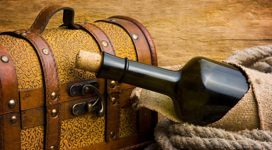 bigstock-pirate-treasure-chest-31374785.jpg